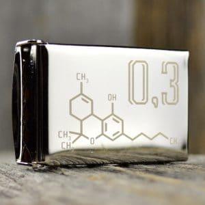 Boucle de ceinture gravée d'une image de molécule de THC